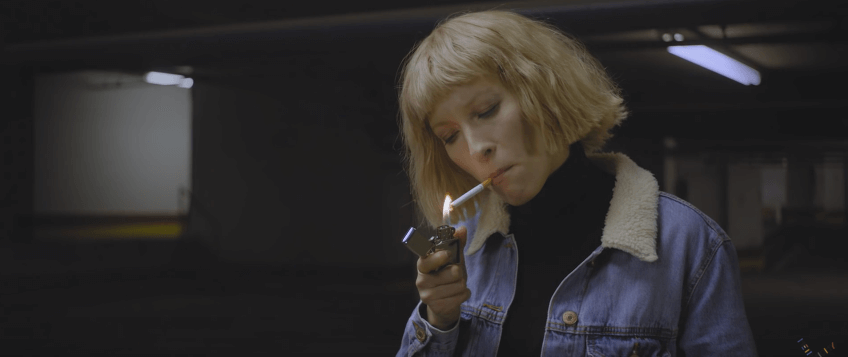 metronomy-feat-robyn-hang-me-out-to-dry-video